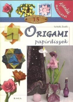 Origami papírdíszek