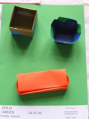 Joan Homewood: Ceruzatartó doboz