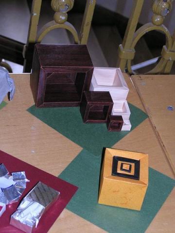 David Brill: Egybe rakható dobozok