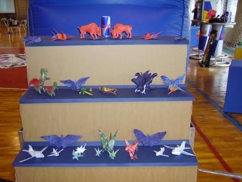 Papírrepülők világbajnoksága 2006 - origami dekoráció
