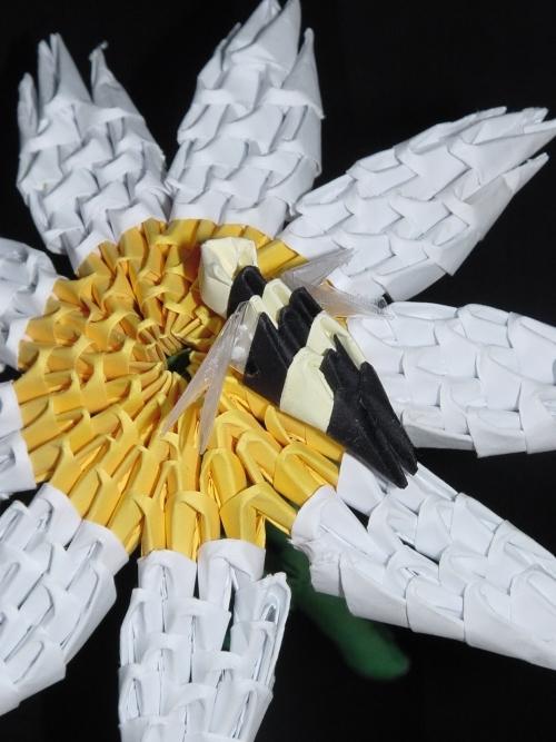 Méhecske 1000 papír technikával