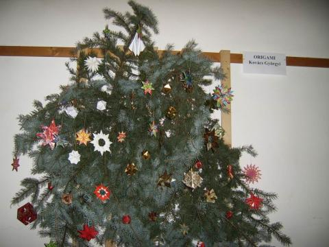 Karácsonyfa díszítő pályázat 2006