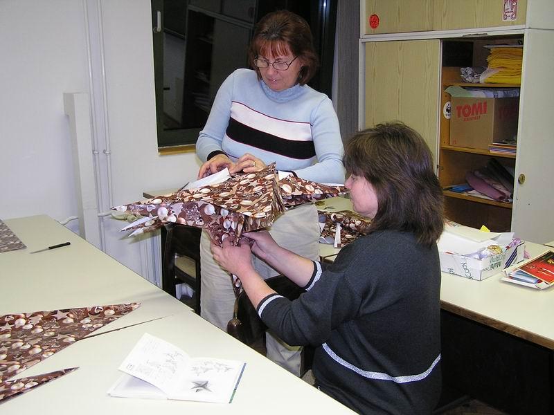 Munka a Szekszárdi Origami Baráti Körben